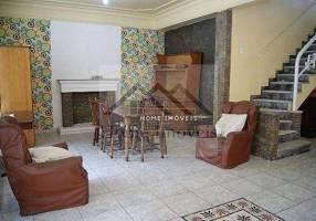 Casa com 5 Quartos à venda, 300m²