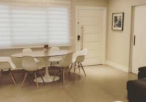 Casa com 5 Quartos à venda, 180m²