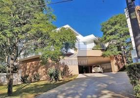 Casa de Condomínio com 3 Quartos para venda ou aluguel, 587m²
