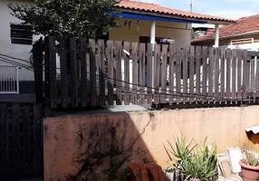 Casa com 2 Quartos à venda, 150m²
