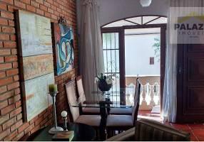 Casa com 3 Quartos à venda, 118m²