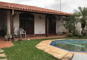 Casa com 3 Quartos à venda, 370m²