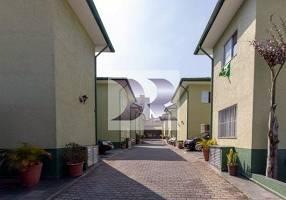 Casa com 2 Quartos à venda, 55m²