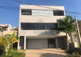 Casa de Condomínio com 4 Quartos para venda ou aluguel, 361m²