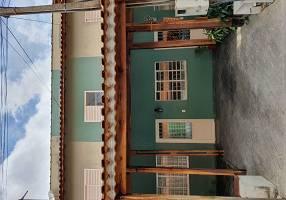 Casa de Condomínio com 2 Quartos à venda, 110m²