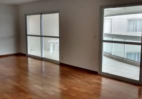 Apartamento com 4 Quartos para alugar, 234m²
