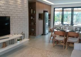 Casa com 3 Quartos à venda, 115m²