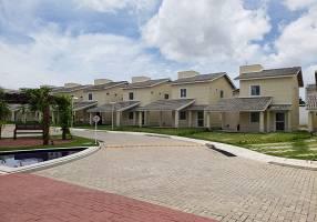 Casa de Condomínio com 3 Quartos à venda, 132m²