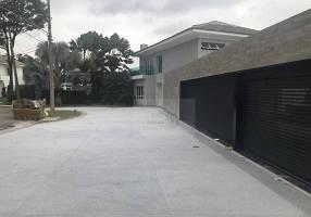 Casa com 6 Quartos à venda, 900m²