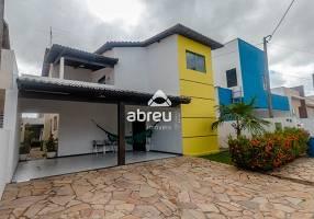 Casa de Condomínio com 5 Quartos à venda, 180m²