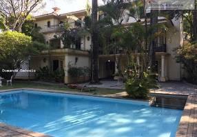 Casa com 5 Quartos para alugar, 1100m²