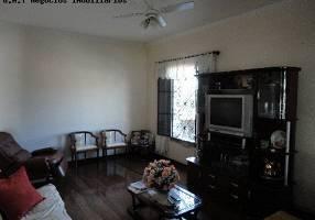 Casa com 3 Quartos à venda, 292m²