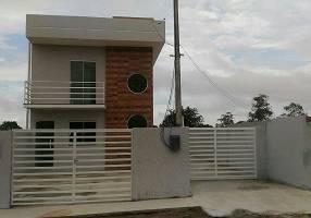 Casa com 2 Quartos à venda, 85m²