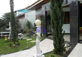 Casa com 4 Quartos à venda, 360m²