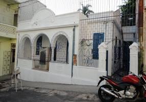 Casa com 2 Quartos para venda ou aluguel, 120m²