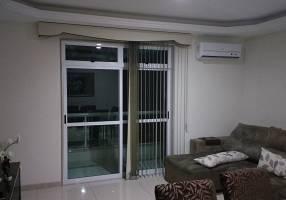 Apartamento com 4 Quartos à venda, 198m²