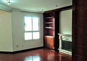 Casa de Condomínio com 4 Quartos para alugar, 125m²
