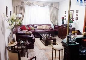 Casa com 4 Quartos à venda, 240m²