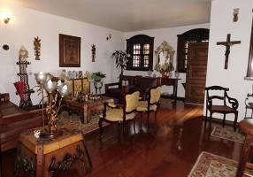 Casa com 4 Quartos à venda, 336m²