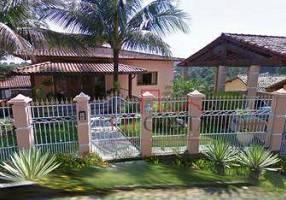 Casa de Condomínio com 3 Quartos à venda, 380m²