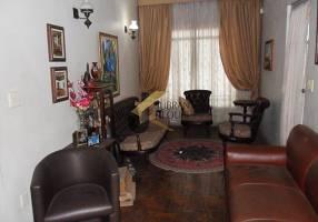 Casa com 3 Quartos à venda, 181m²