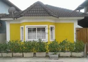 Casa de Condomínio com 4 Quartos à venda, 180m²