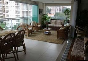 Apartamento com 3 Quartos à venda, 157m²