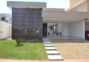 Casa de Condomínio com 3 Quartos à venda, 209m²