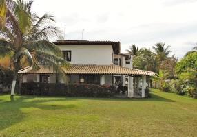 Casa com 7 Quartos para alugar, 600m²