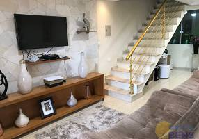 Casa com 9 Quartos à venda, 250m²