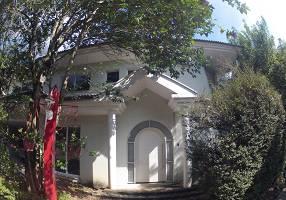 Casa de Condomínio com 4 Quartos à venda, 412m²