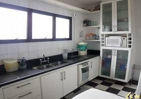 Apartamento com 3 Quartos à venda, 107m²