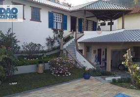 Casa com 5 Quartos à venda, 171m²