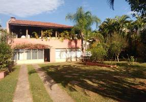 Casa com 4 Quartos à venda, 643m²