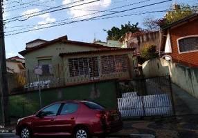 Casa com 5 Quartos para venda ou aluguel, 140m²