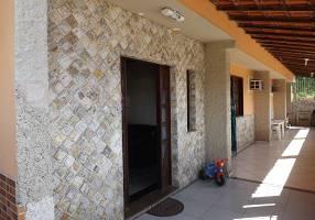 Casa com 3 Quartos para venda ou aluguel, 105m²