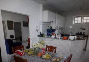 Casa com 2 Quartos à venda, 123m²