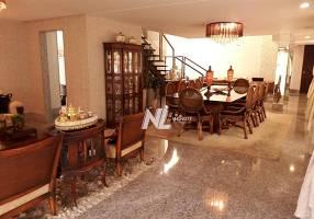 Casa de Condomínio com 4 Quartos à venda, 500m²
