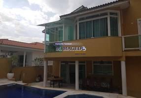 Casa com 4 Quartos para venda ou aluguel, 480m²
