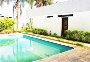 Casa com 4 Quartos à venda, 383m²
