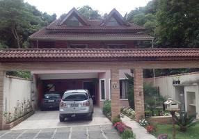 Casa de Condomínio com 3 Quartos à venda, 452m²