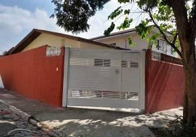 Casa com 3 Quartos para venda ou aluguel, 130m²