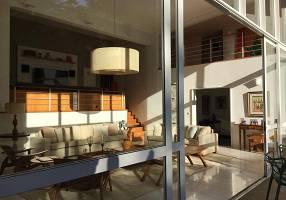 Casa de Condomínio com 4 Quartos para alugar, 505m²