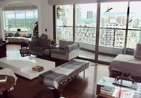 Apartamento com 4 Quartos à venda, 242m²