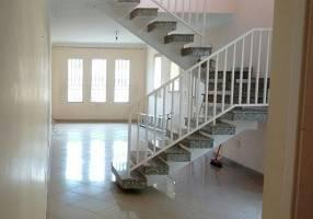 Sobrado com 3 Quartos para venda ou aluguel, 214m²