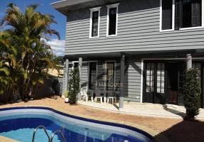 Casa de Condomínio com 4 Quartos para venda ou aluguel, 474m²
