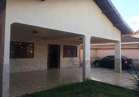 Casa com 3 Quartos à venda, 272m²