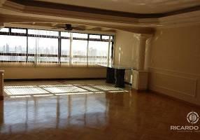 Apartamento com 3 Quartos para venda ou aluguel, 220m²