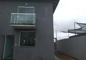 Casa com 2 Quartos à venda, 69m²