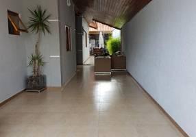 Casa com 3 Quartos à venda, 167m²